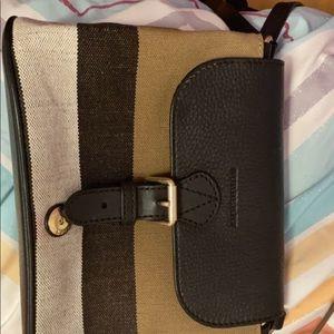 Burberry cross body handbag